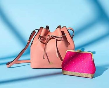 Handbags & Clutches at up-to 80% discount